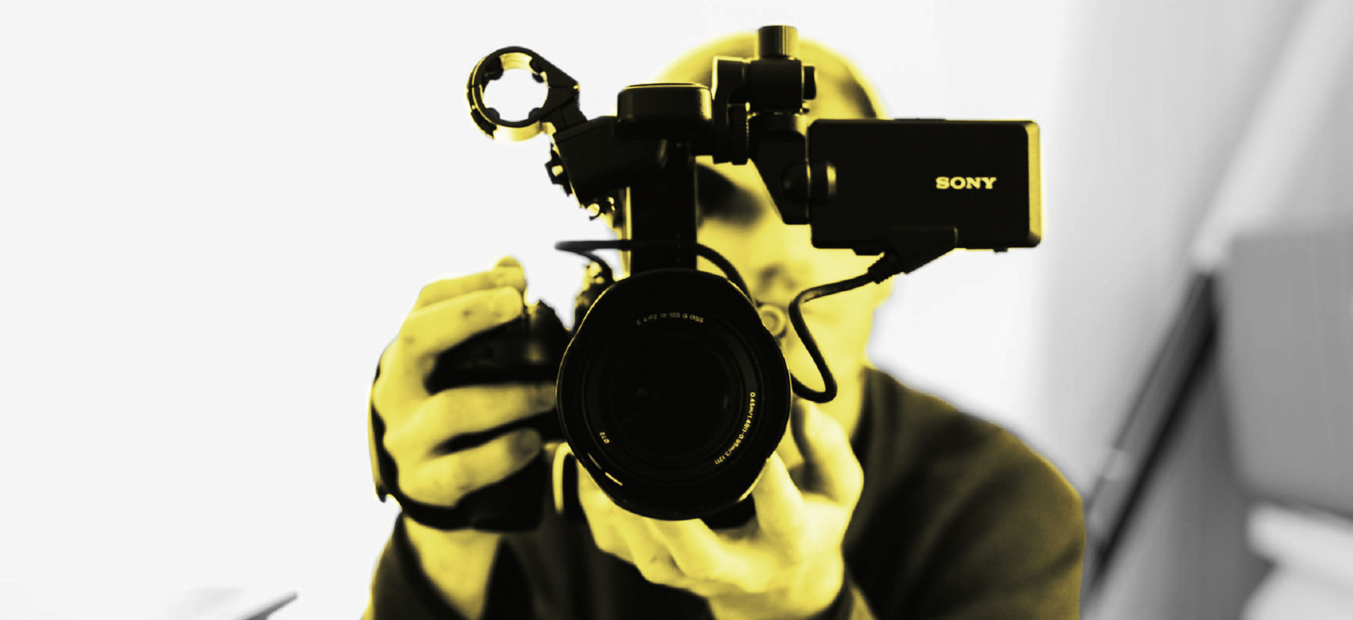 Symbolbild VJ auf Pixabay von StockSnap crossmedialer Journalismus